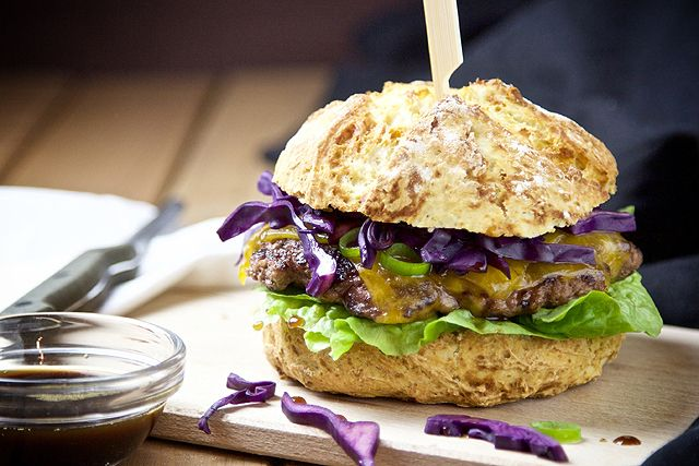 Kerrygold - Red Cabbage Cheddar-Burger