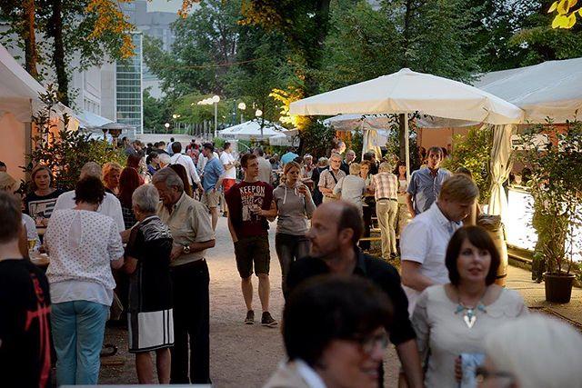 Stadtpark lädt zum Weinfest nach Essen