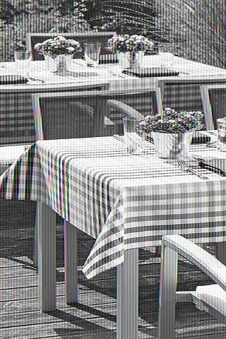 Outdoor-Tischwäsche - keineswegs kleinkariert