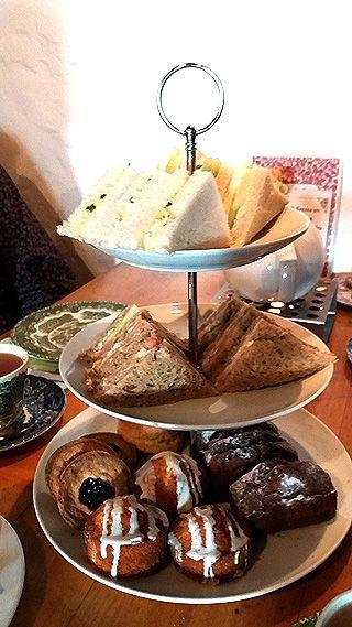Afternoon Tea - Sandwiches und Scones