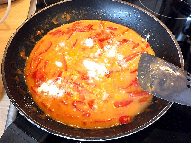 Pikantes Eierfrikassee - Binden mit Saucenpulver