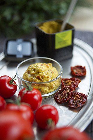 Tomatenpesto und Ingwersenf - Curry-Tomaten-Senf