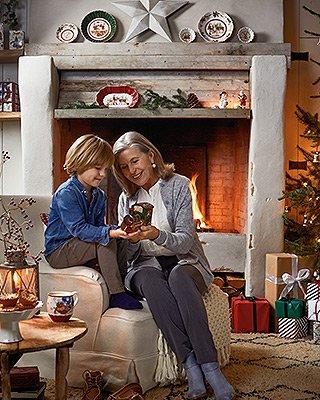 Weihnachtszeit - Kind und Großmutter
