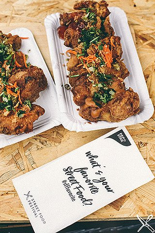 Street Food Festival - eckige Papstar pure Pappteller aus Frischfaserkarton