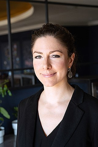 CARLS Weinbar - Lena Fitoussi