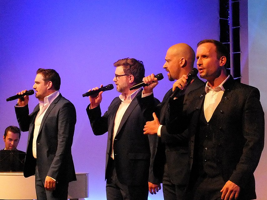 07 – WORLD of DINNER – Gentlemen of Voices – Premiere – Die Sänger