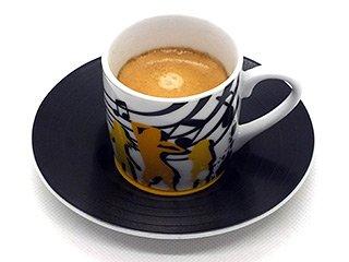 Espresso aus einer impearlia White Pearl Coffee Kapsel
