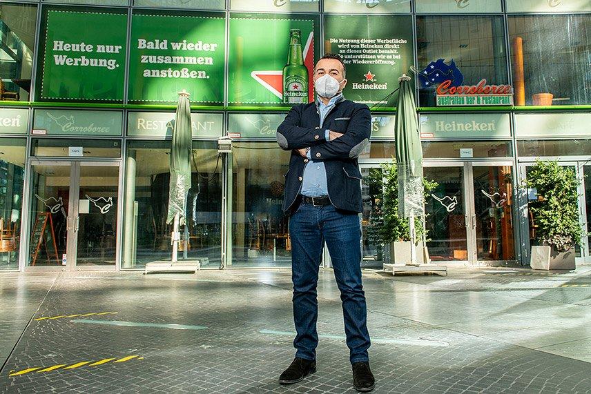 Heineken® - Shutters Berlin Corroboree - Restaurantbesitzer Inan Sas - Foto Gerald Matzka